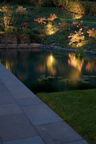 Gartenbeleuchtung Köln, Lichtplanung Teich und Beet